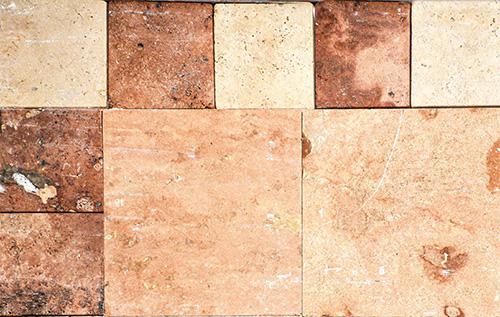 cantera tikul el de 30.5x30.5 y os recuadros marmol travertino rojo 15x15